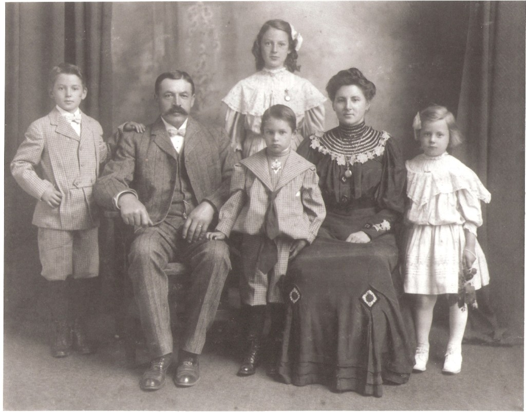 Pope Family about 1909.