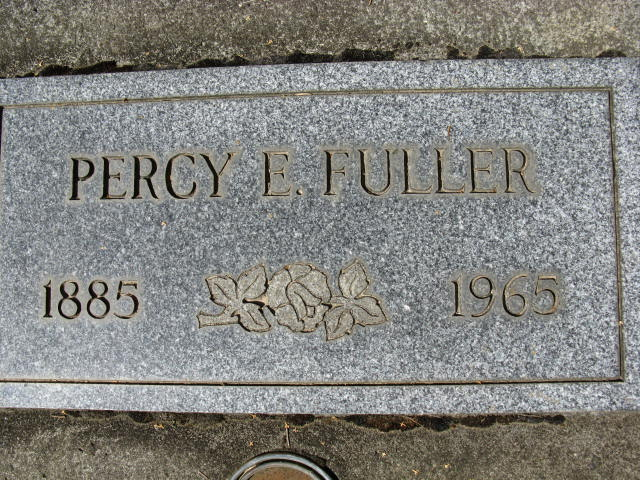 FindAGrave.com, digital images (htp://www.findagrave.com), accessed 9 February 2015, photograph by fred, gravestone for Percy E Fuller (1885-1965), FindAGrave memorial #29641419, Pine Grove Cemetery, Hood River, Hood River, Oregon.